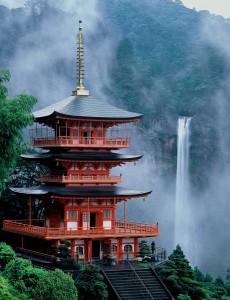 Nachi falls and pagoda 3