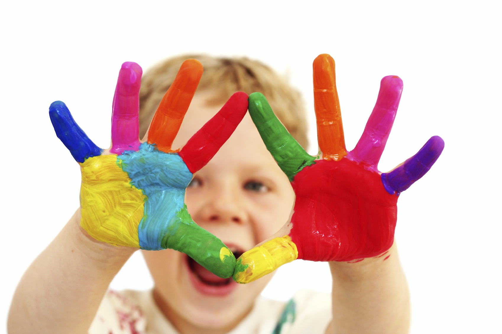 happy child with painted hands kansai scene magazine