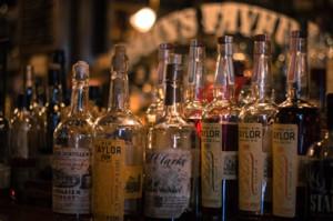 Rogin's Whiskey Tavern7